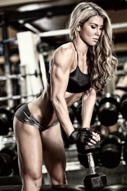 Fit girl Eva Simon