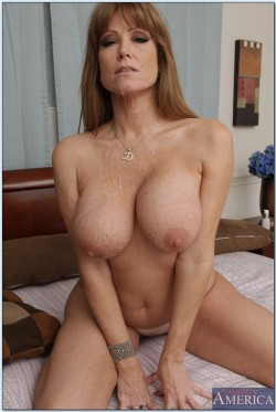Hot milf with big tits 10 seconds later...