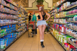 How about this ass in supermarket ! [Img]
