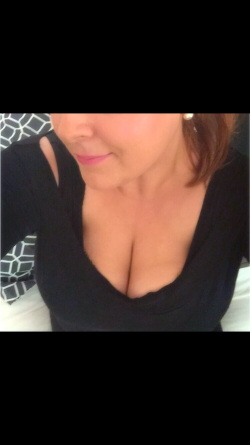 My huge boobs this time half covered : p