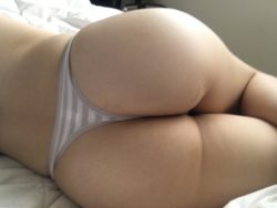 My soft and peachy bum (▰˘◡˘▰) (F)