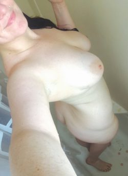 Pale with (f)reckles in the shower