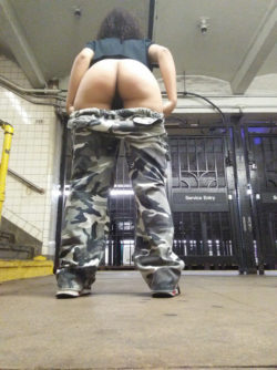 Subway Booty Flash [IMG]