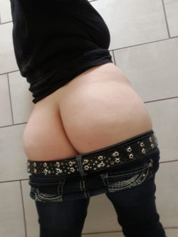 Taking dirty pictures at work... ;)