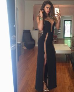 Anllela Sagra headin' to a weddin'
