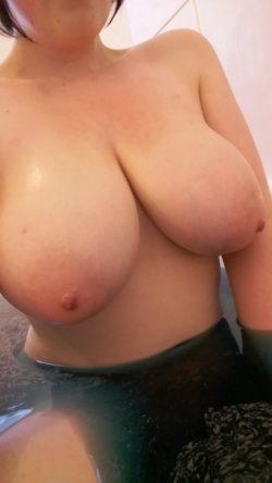 Bath-time boobies :D