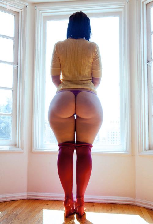 порно фото большой женский таз сзади