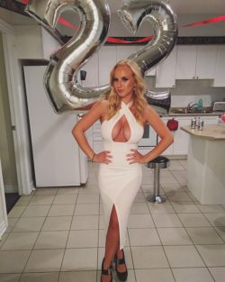 Birthday Clevage