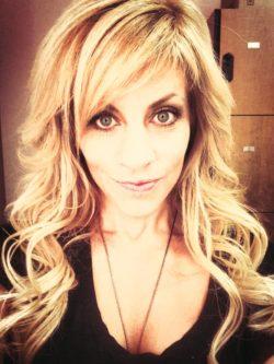 Blonde MILF done up looking slutty