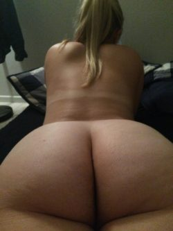 Booty in Bed
