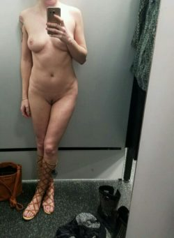 Changing room - what would you do to me? (f)