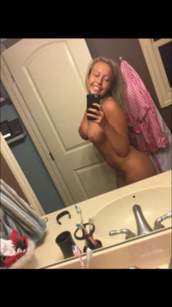 College slut with amazing titts
