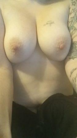 Do You Like My Tits? Mil[f]