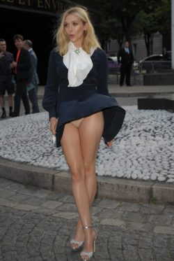 Elizabeth Olsen dealing with an unexpected breeze