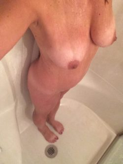Getting clean for you. Love to hear from women and couples.