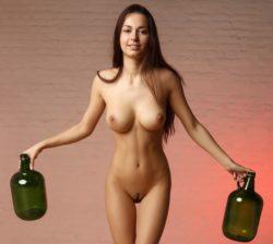 Girl with nice jugs and gap