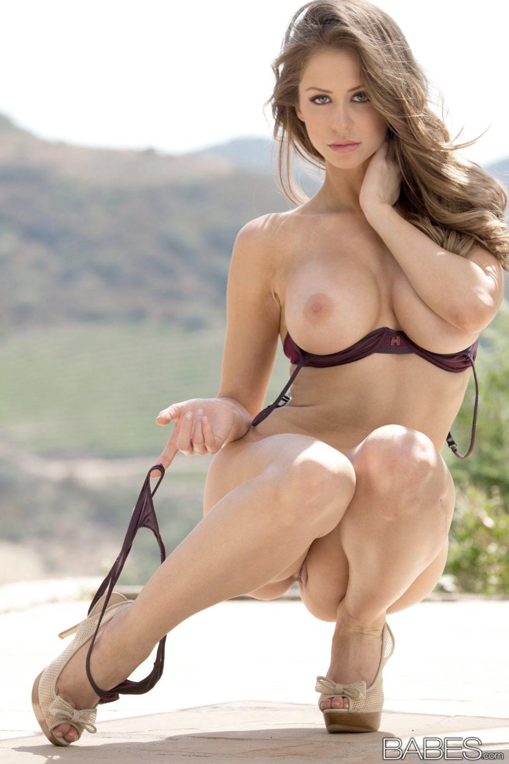 Nude babe erotic pics