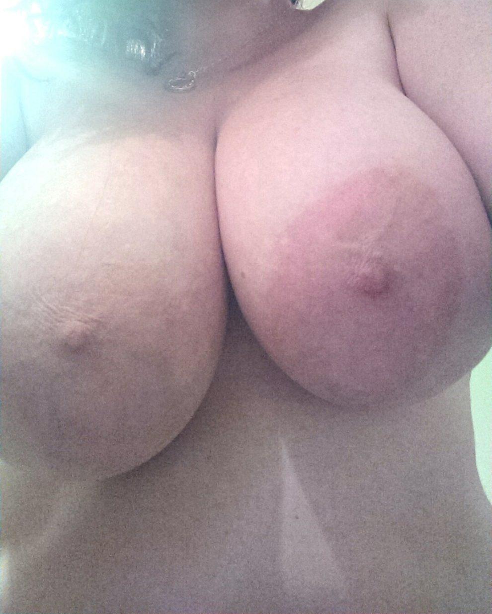 I love my Boobs. ????