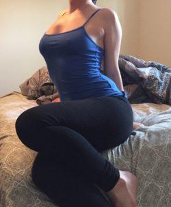 I love yoga pants ;) [F]