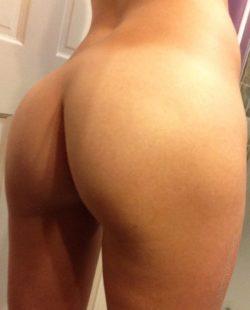 Random act o[F] booty...Happy Hump Day! ????????