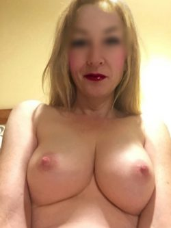Real MILF with great tits