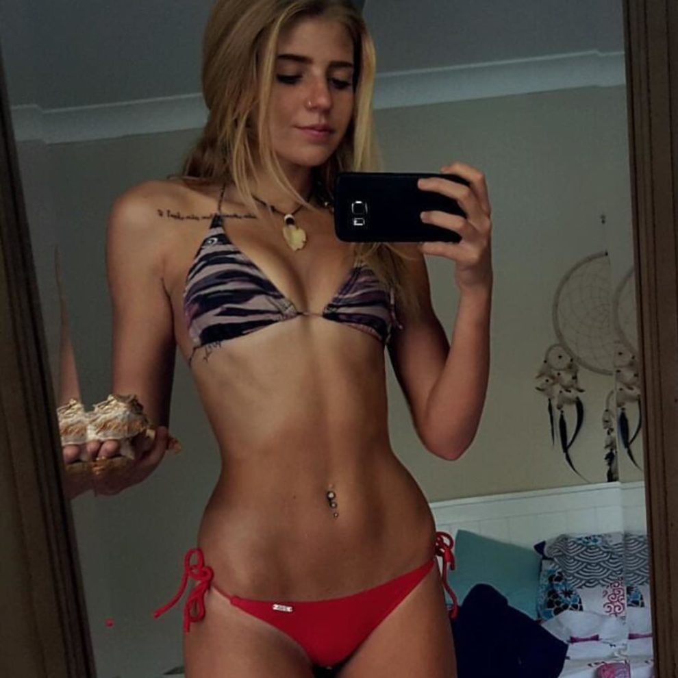 She sells seashells by the selfie shore