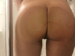 Showered rearpussy [f]or you.