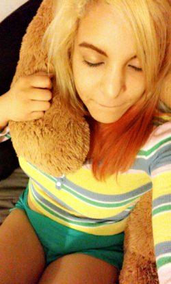 Teddy bear. (f)