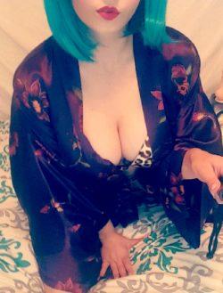 [f] blue hair & cleavage