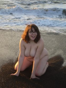 Beach nude girl