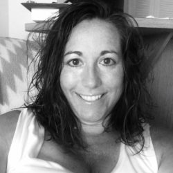 Casual black & white selfie of a pretty milf...