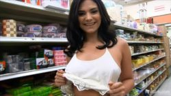 Violet Starr flashing in grocery store