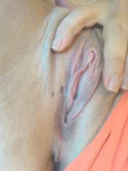In dire need of some pussy licking!!