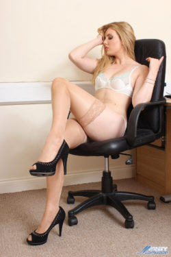 Leona in Tan Hold Ups