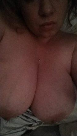 Lonley bedtime boobs????
