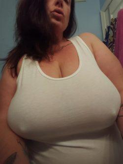 Love wearing white tanks...