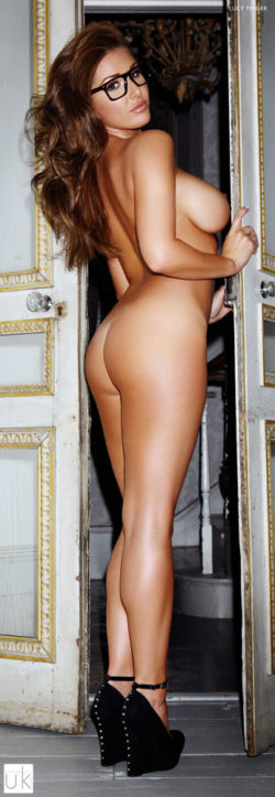 Lucy Pinder naked