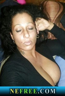 Stacked latina stripper milf