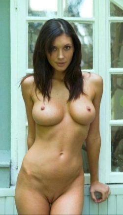 Stunning brunette.