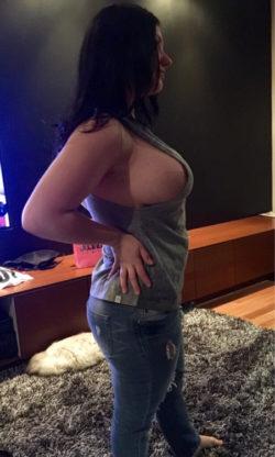 Super Perky Sideboob For A Tit That Big