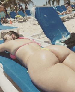 Tanning PAWG