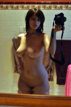 Thick brunette in the mirror