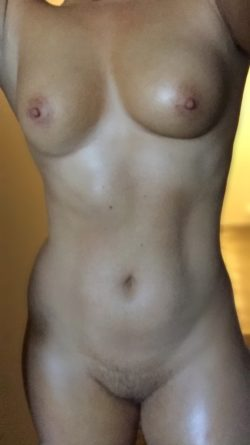 oiled up (f)
