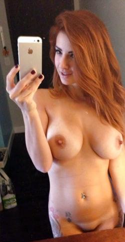 Фото капроновый колготок девушки голые