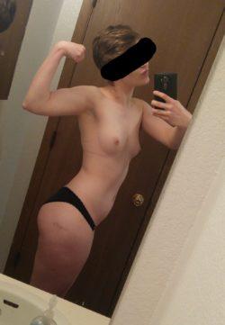 Douchebag mirror selfie ft. adorable