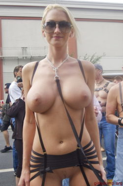 Hot blonde like to get her boobs out in public.