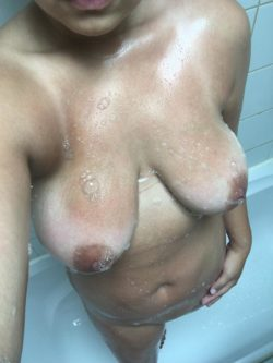 Mid-Shower ???? [F]