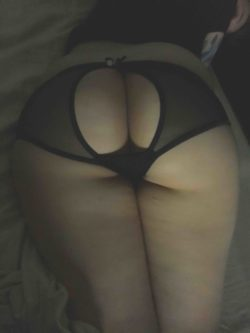 My gf's ass is too much for just me.