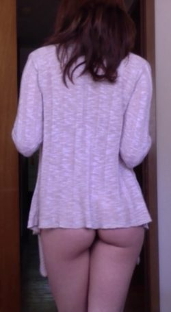 OOTD - sweater and no panties ;)