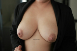 Thanks BigBoobsGW! Lovin' it here :) Here's an HQ one [f]or y'all! from me and my fiance